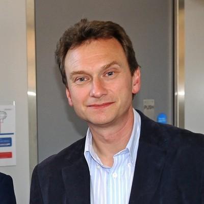 Prof Alan Fitzsimmons